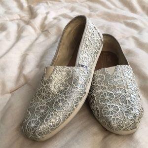 TOMS Classic Silver Crochet Glitter